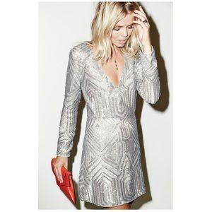 NWT Saylor Naomi Sequin Dress in Platinum - Small